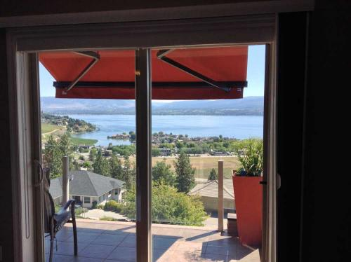 Panorama Room view balcony with awning