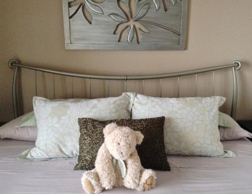Lakeview Room. Teddy Bear Welcome