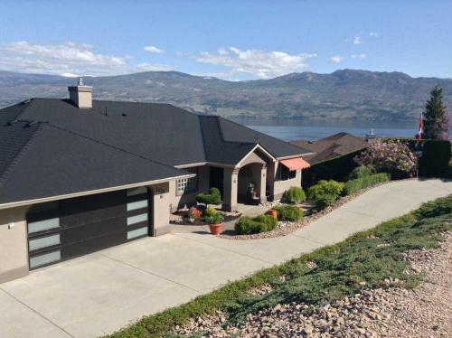 A Lakeview Heights Over Looking Okanagan Lake